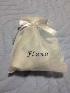 Flana(フラーナ)さんのトライアルセットの香りとエッセンスで癒される!