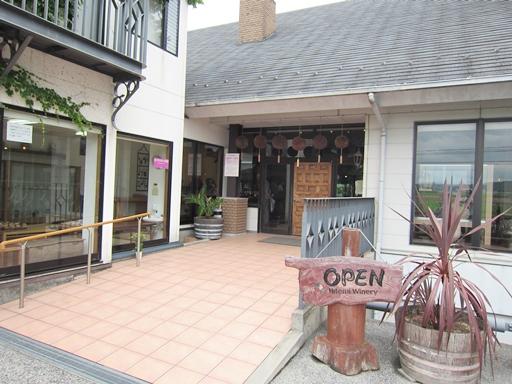滋賀県東近江の国産にごりワイン「ひとみワイナリー」10年間捨て続けてもやめなかったワイン酵母のパンが絶品すぎます